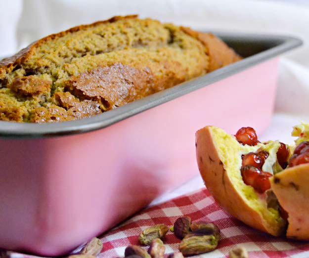 Plumcake al melograno e pistacchio
