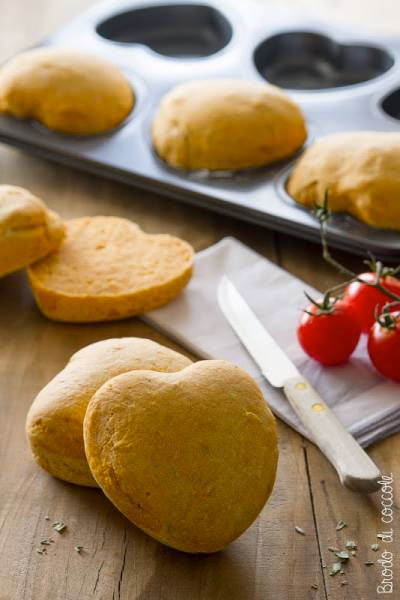 Panini al pomodoro (a forma di cuore)
