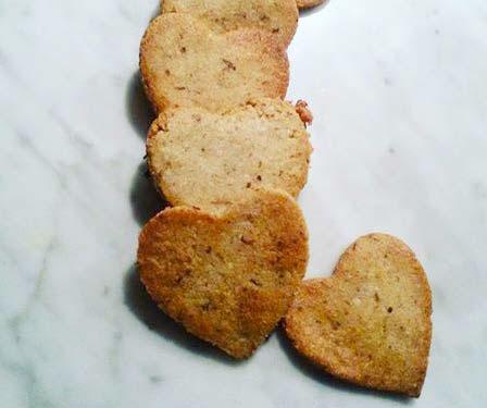 Biscotti tirolesi speziati alle noci e mandorle