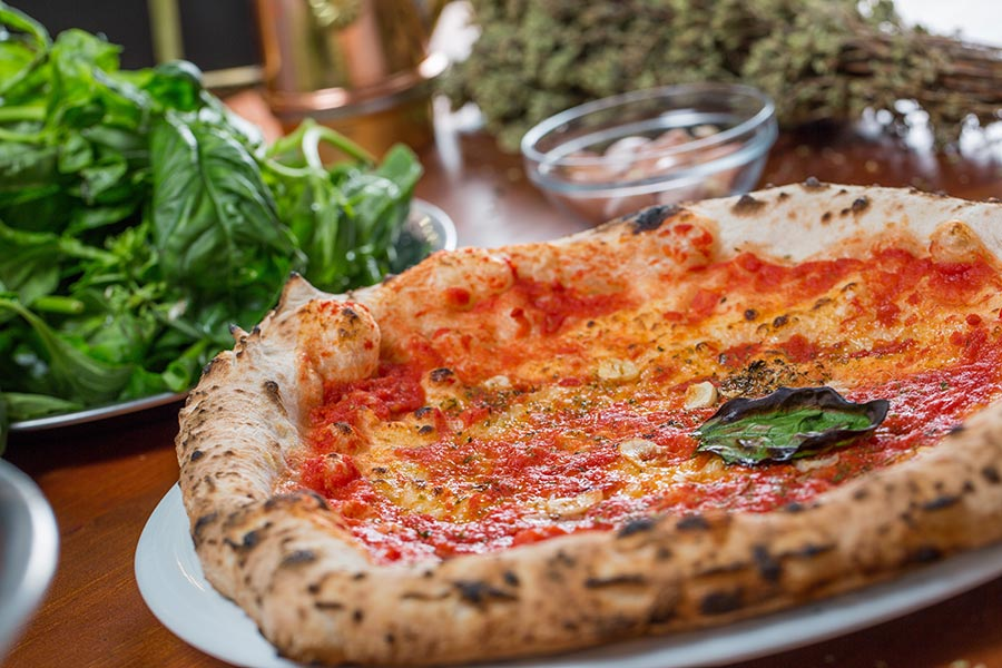 Marinara pizza with gluten free stuffed edges